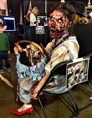 Wizard of Oz Dorothy Zombie at Walker Stalker Con